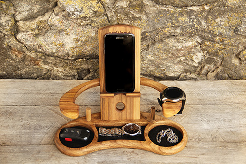 Personalized phone accessories stand Throne2