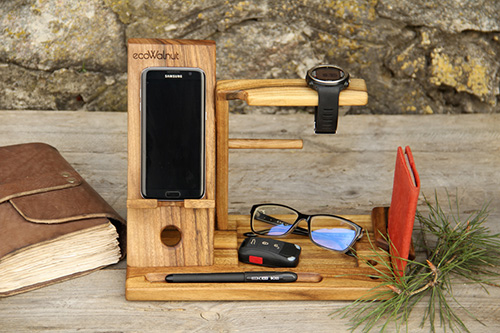 Phone docking station for men2