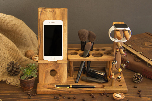 Phone docking station for women2
