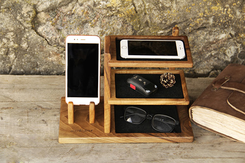 Wooden phone docking station2