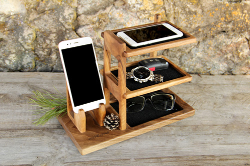 Wooden phone docking station3