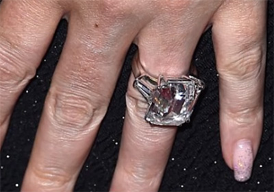 93ffbfd5d However, the couple was not destined to be and split up back in late 2016.  Ring11. These were 10 most expensive engagement rings ...